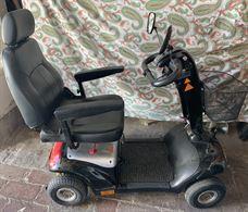Scooter elettrico per anziani e/o disabili
