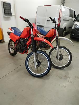 Due Honda XR 500