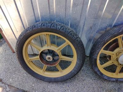 Moto Morini 350 coppia ruote