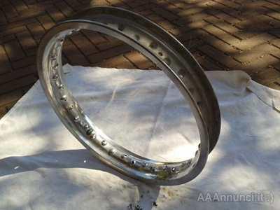 Cerchio alluminio moto