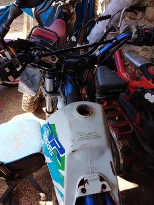 Suzuki Dr 350 avviamento a pedalecome ricambi