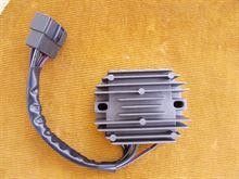 Regolatore di tensione nuovo per suzuki an 400/250,dal 1998